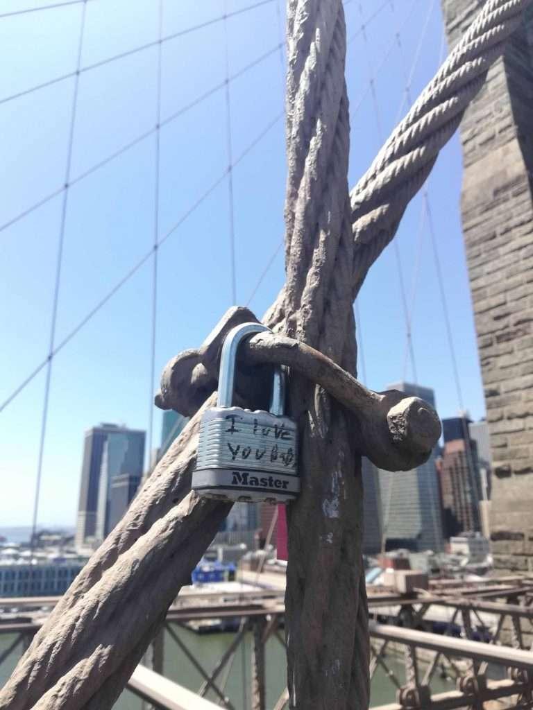 nyc moments brooklyn bridge i love you lock
