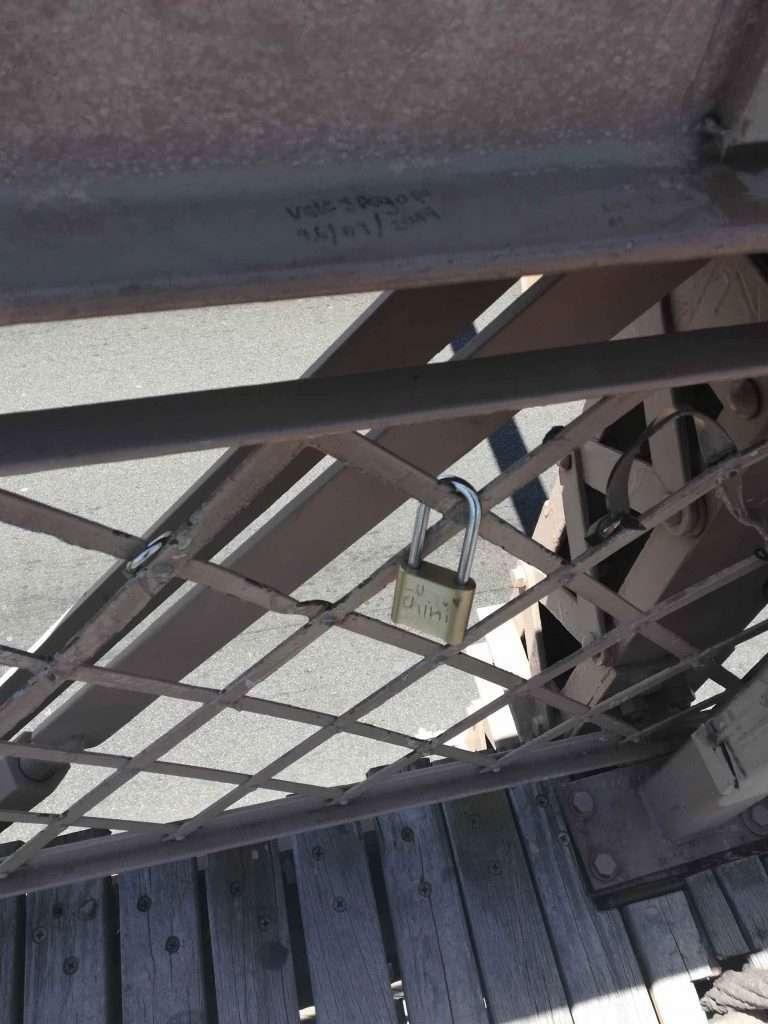 nycmoments brooklyn bridge locks lu chin