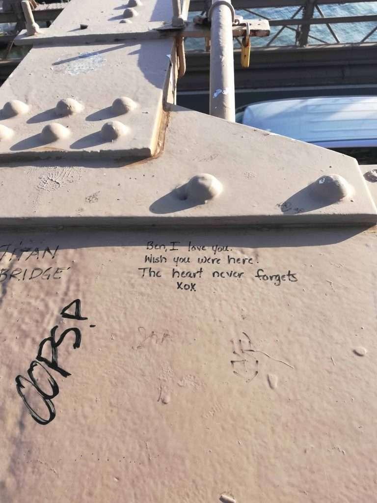 nyc moments brooklyn bridge love message