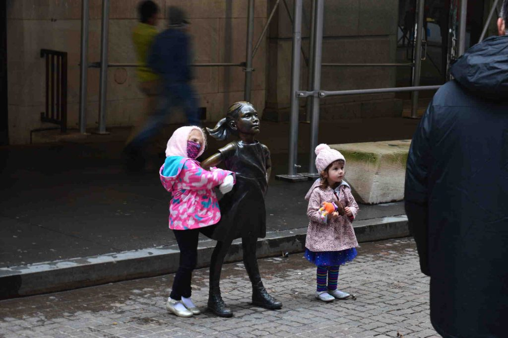 Xmas Day in New York City NYC Moments Wall Street Fearless Girl