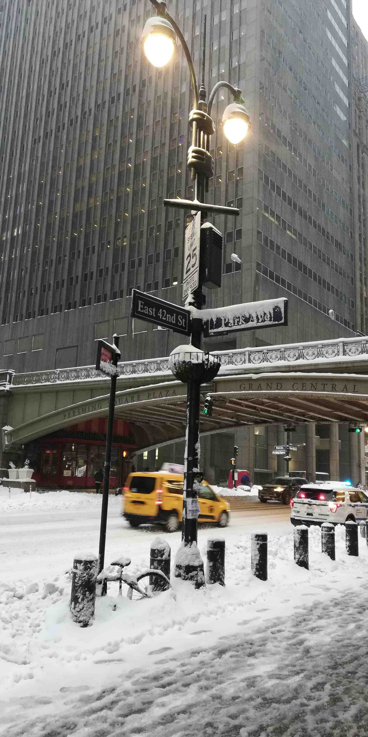 NYC snow storm 2021 Grand Central